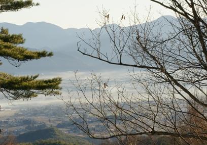 朝靄の中の安曇野