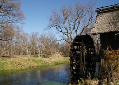 あまりに有名な水車小屋