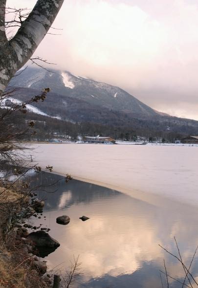 僅かな湖面