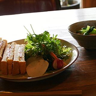 ハムチーズサンドと野菜スープ
